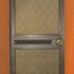 p3-toilet-door